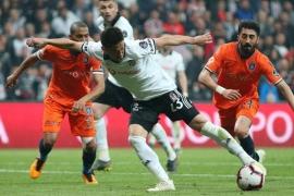 Beşiktaş Başakşehir'i puansız uğurladı