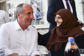 Muharrem İnce, Beşiktaş Gazetesi aracılığıyla Beşiktaşlıların bayramını kutladı