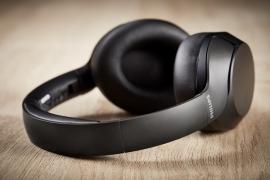 Üstün ses performanslı, gürültü önleyicili kulaklıklar