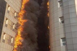 Hastane alevler içinde yandı!