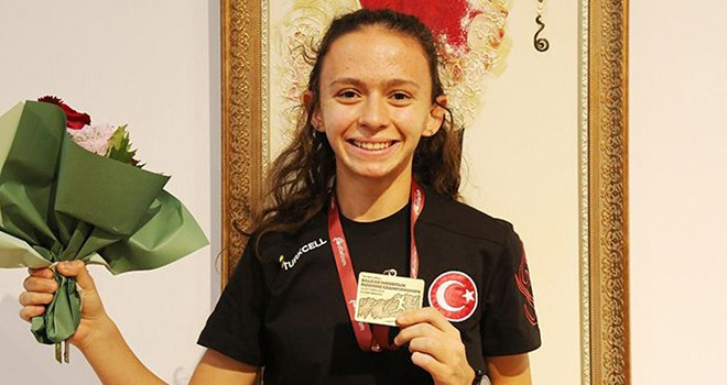 Beşiktaş Atletizm Takımı sporcularından üç derece
