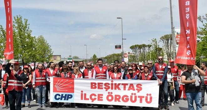 Beşiktaş Belediye Başkanı Akpolat 1 Mayıs'ı işçilerle kutladı