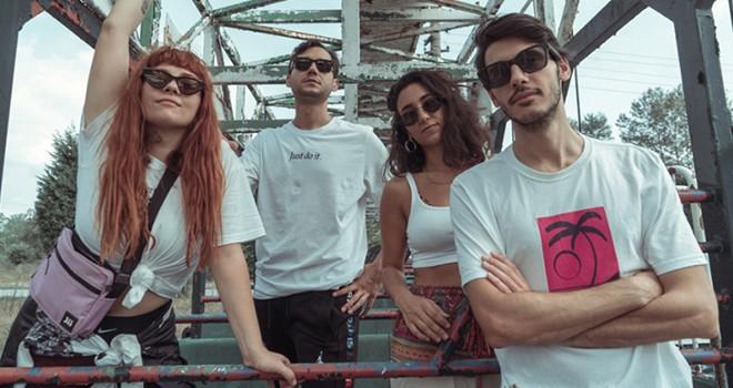 Yeni ve farklı bir albüm: EVDE