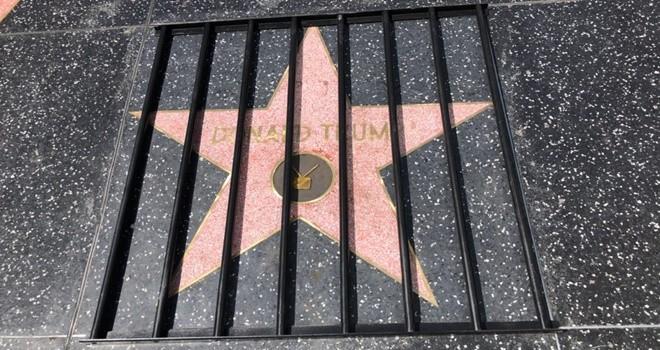 Trump'ın yıldızı parmaklıklar arkasında