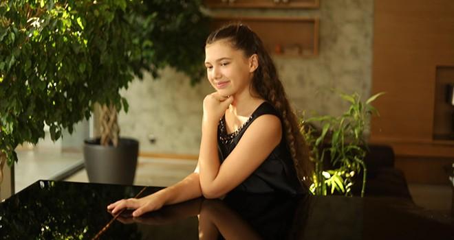 Radyo Beşiktaş'ta genç piyanist İlyun Bürkev'i dinleyeceğiz