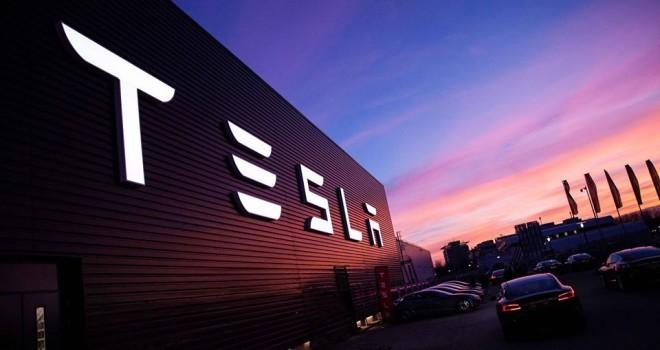 Tesla otomobil Türkiye'de faaliyetlerine başlıyor