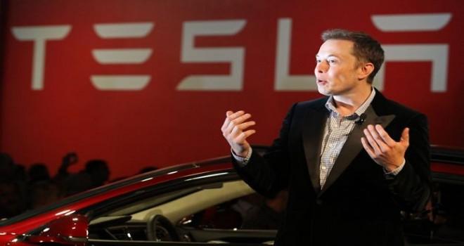 Tesla kullanıcı bilgilerini topluyor