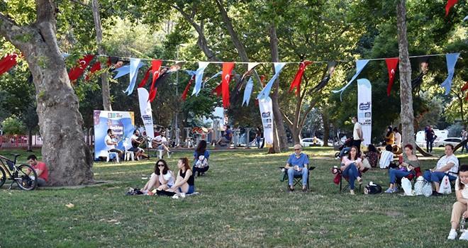Beşiktaş'ın parklarında sahne sanatları zamanı