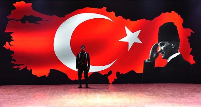 Beşiktaş'ta Cumhuriyet Defilesi