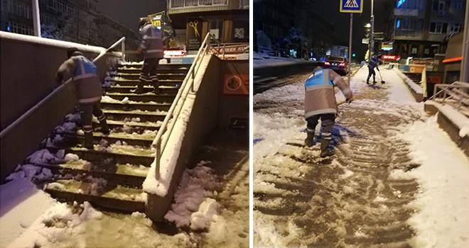 ÖZEL HABER: Alnınızdan öpüyoruz! Karlar eridi, şimdi de cefakar temizlik işçileri devreye girdi!