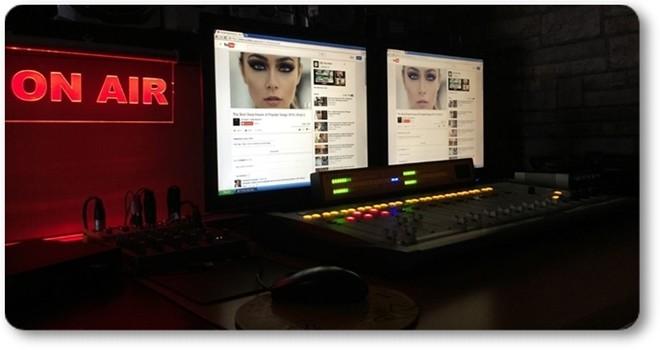 Radyo Beşiktaş canlı yayın paneli