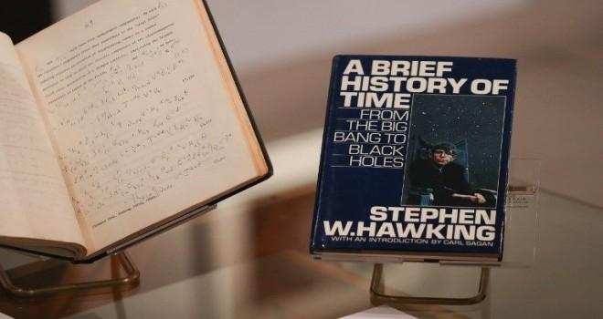 Hawking'in eşyaları açık arttırma ile satışa sunuluyor