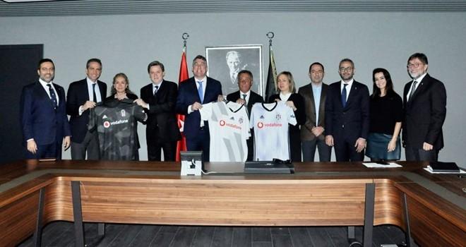 Vodafone Türkiye CEO'su Colman Deegan'dan Başkan Çebi'ye ziyaret