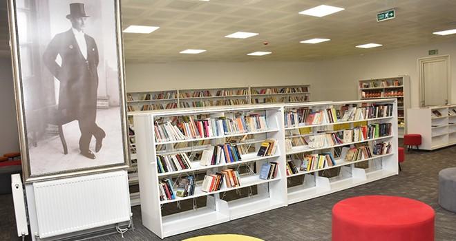 Oruç Aruoba Kütüphanesi hizmete açıldı