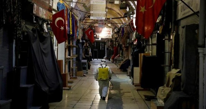 Türkiye'de Koronavirüs vaka ve ölüm sayısı yükseliyor