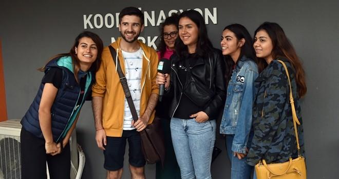 Dünyanın çeşitli ülkelerinden gelen gönüllü gençlerden Beşiktaş Belediyesi'ne ziyaret