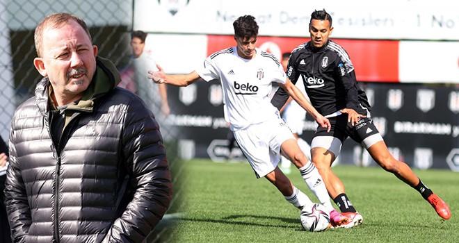 Beşiktaş A Takım ve U-19 Akademi Takımı arasında antrenman maçı