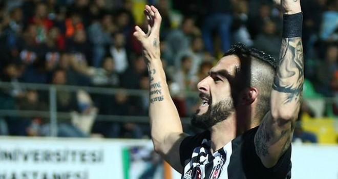 Negredo'dan Beşiktaş paylaşımı: Tebrikler Şampiyonlar!