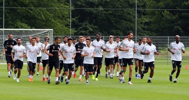 Yeni transferlerle birlikte hazırlıklar sürüyor