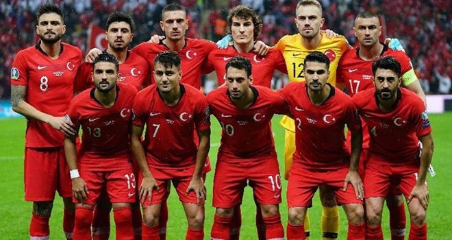 Beşiktaş'tan A Milli Futbol Takımı'na kutlama