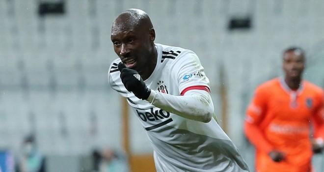 Beşiktaş ile Atiba arasında ücret krizi