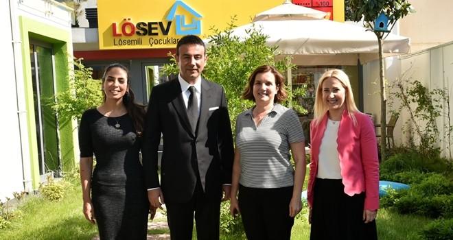 Beşiktaş Belediye Başkanı Rıza Akpolat'tan LÖSEV'e anlamlı ziyaret
