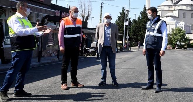 İstanbul Büyük Şehir ve Beşiktaş Belediyesi asfalt yapıyor.