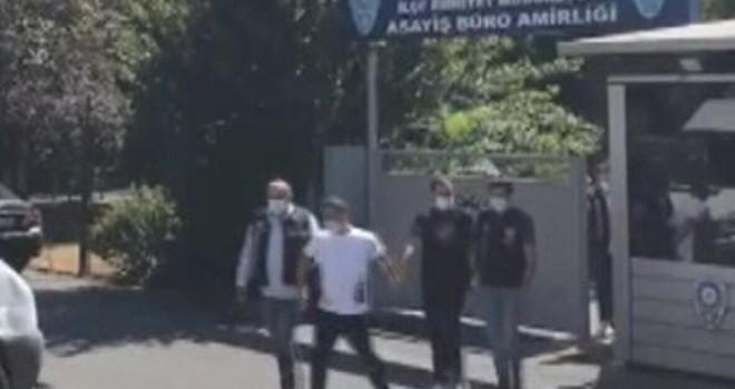 Uygulama yapan polisleri görünce tabancayı atıp kaçtılar