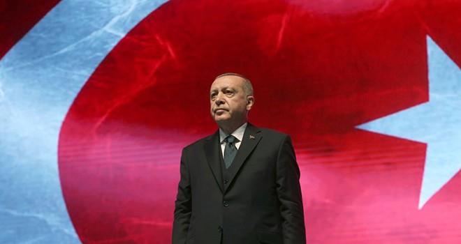 Cumhurbaşkanı Erdoğan: Kahramanlarımızı ve aziz şehitlerimizi bir kez daha rahmetle, tazimle yâd ediyoruz