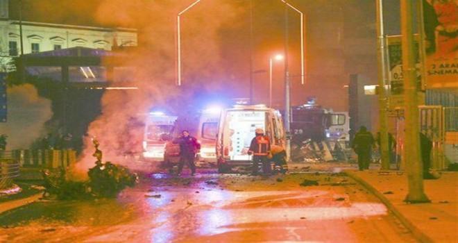 Beşiktaş'ta terör saldırısı sonucu şehit olanları anıyoruz