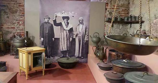 Osmanlı Saray Mutfağı'nın araç ve gereçleri ziyaretçileriyle buluşuyor