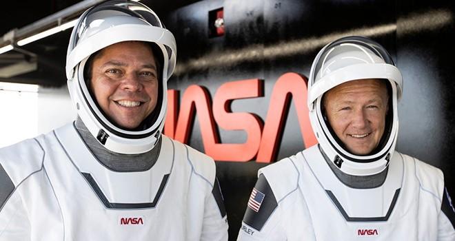 Astronotlar SpaceX kapsülleriyle dünyaya döndü