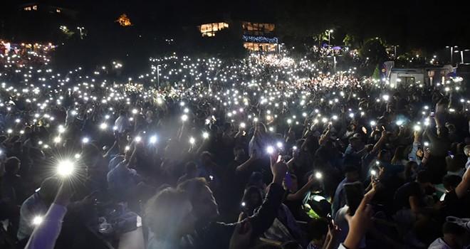 Beşiktaşlılar, Melek Mosso ve Ceylan Ertem konserleriyle coştu!..