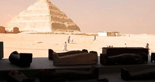 2500 yıllık yüzlerce mumya lahiti sergilendi