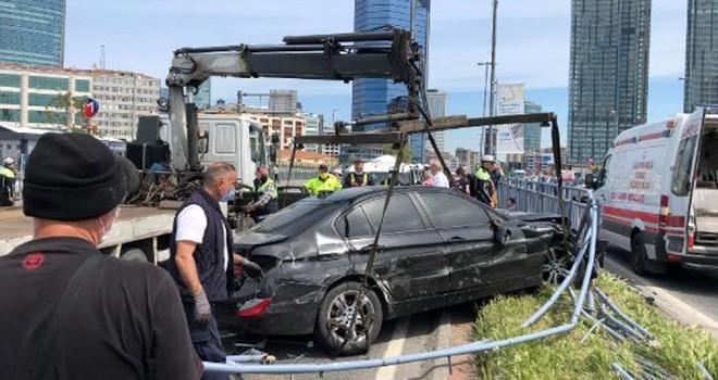 Beşiktaş'ta feci makas kazası! 4 kişi yaralandı, 11 araç hasar gördü