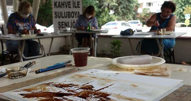 Suluboya sanatçılarından kahve ile resim