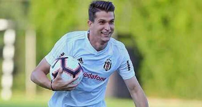 Beşiktaş ile Necip Uysal yola devam ediyor