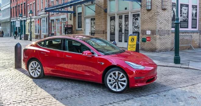 Elon Musk'tan Tesla Model 3 açıklaması!