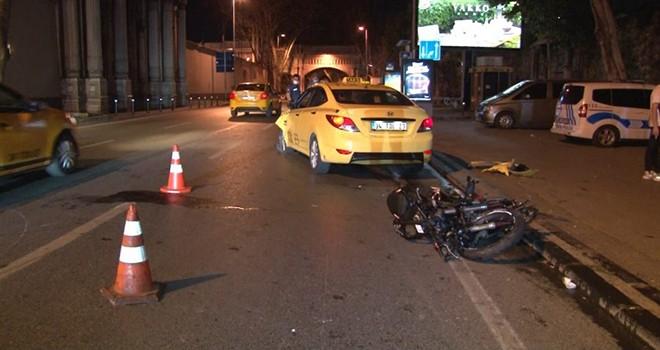 Taksi ve motosiklet çarpıştı 1 yaralı