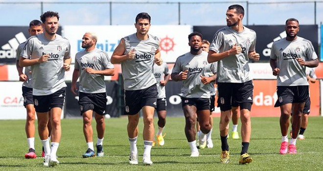 Beşiktaş antrenmanda kondisyon çalıştı