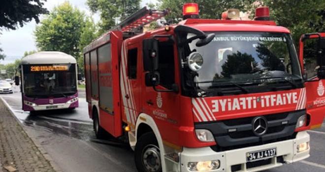 Beşiktaş'ta seyir halindeki otobüste yangın çıktı