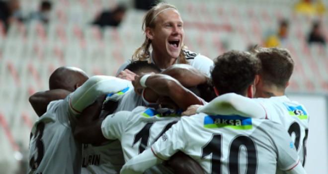 Beşiktaş galibiyete uçtu
