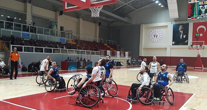 Tekerlekli Sandalye Basketbol Takımı'nda galibiyet sevinci