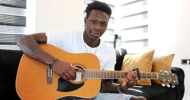 Nsakala: Beşiktaş'a özel bir şarkı çalmak isterim