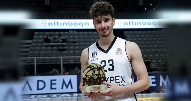 Beşiktaşlı basketbolcu Alperen Şengün sezonun en değerli oyuncusu seçildi