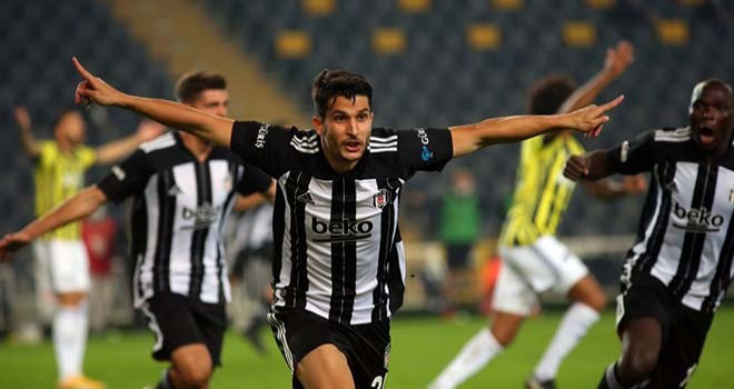 Beşiktaş Fenerbahçe'yi ezdi geçti