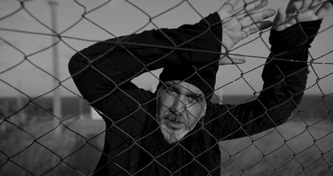 Kadri Karahan'dan Karanlık Bir Drama için müzik videosu