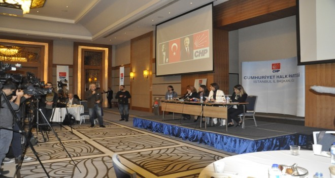 Gazeteci İsmail Baştuğ CHP İstanbul il toplantısında konuştu.