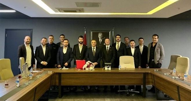 Genç Beşiktaşlılar Grubu'ndan Başkan Çebi'ye ziyaret