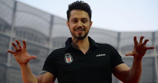 Şampiyonluk kutlamasında Murat Boz'un zor anları! Aksilikleri sakinlikle ele alması büyük takdir gördü